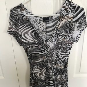 Buckle top size small